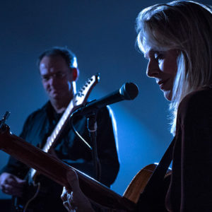 Songs & Sounds tour – Elisabeth Cutler with guitarist Leander Reininghaus